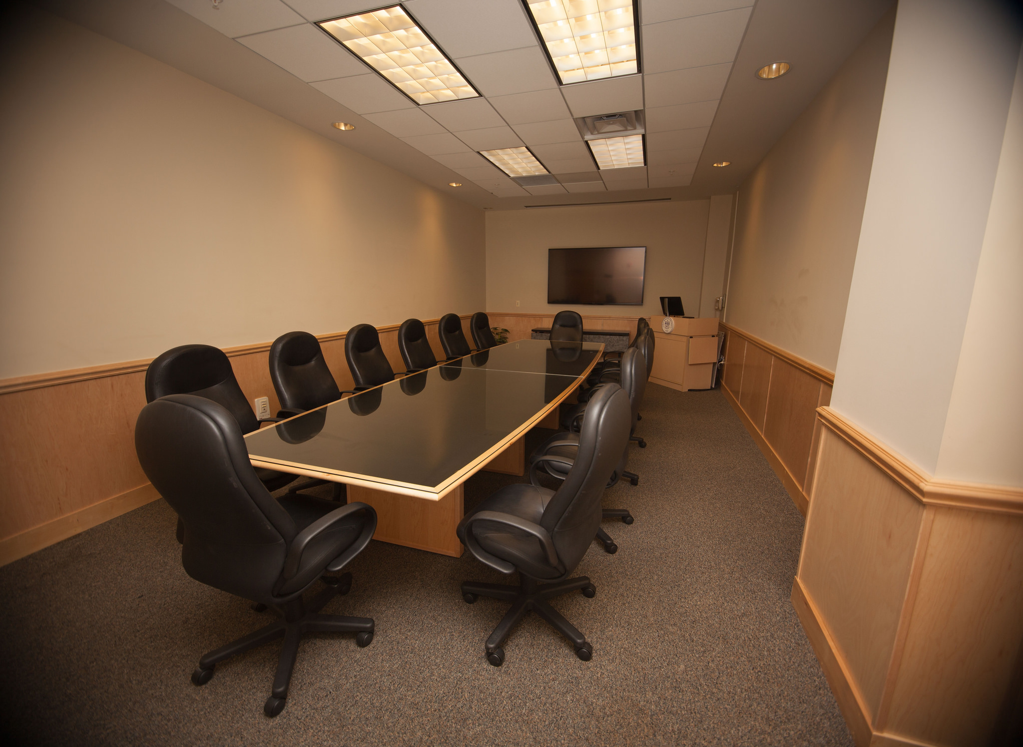 Photo of Conference Room 5.