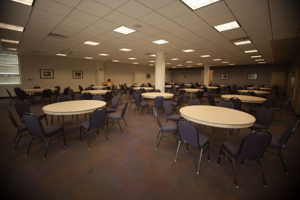 Photo of Highlands Room in banquet setup.