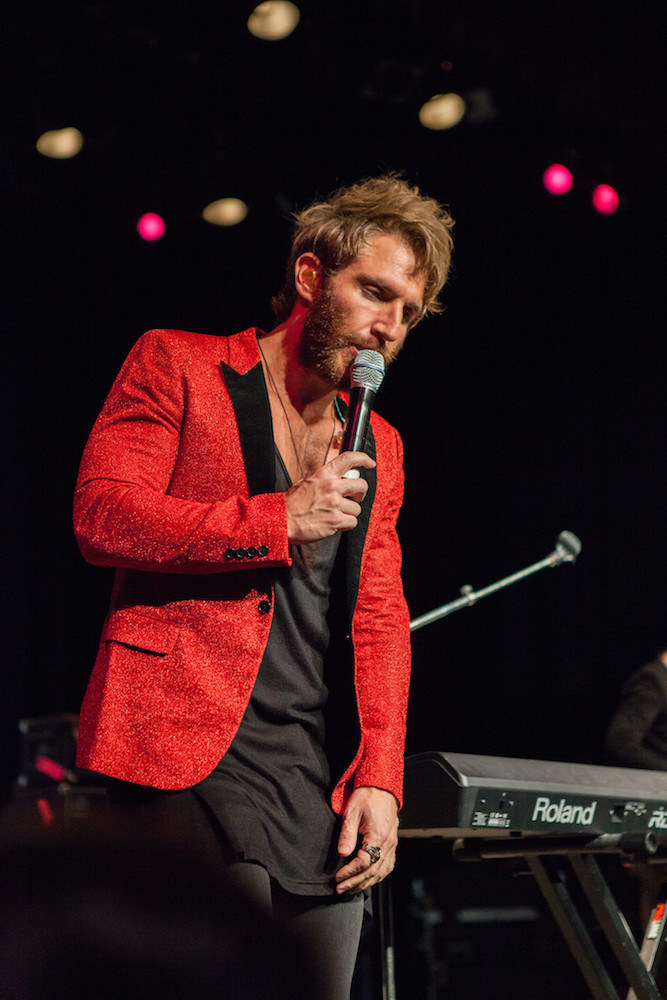 Image of the Smallpools lead singer performing.
